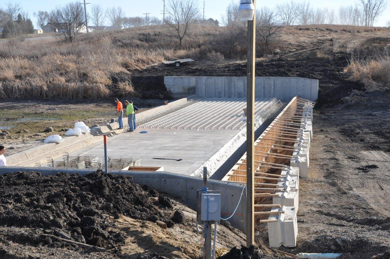 Electric Fish Barrier Ready to Protect Iowa Great Lakes